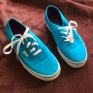 Like New Vans shoes robin blue& purple m 6 w 7.5